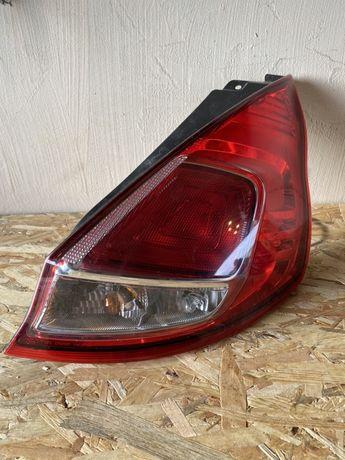 Ford fiesta mk7 lampa prawa tył usa orginal