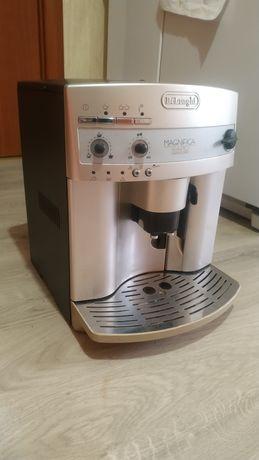 Автоматична кавомашина DeLonghi ESAM 3300 Magnifica Rapid Cappuccino.