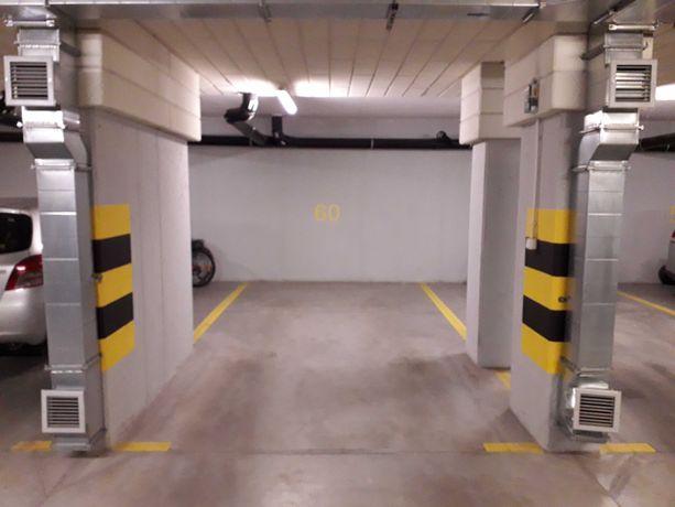 Posiadam do wynajęcia miejsce postojowe w garażu podziemnym