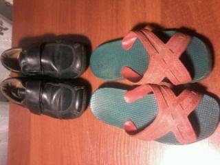 детская обувь : туфли ,кеды . разные размеры 25,32,35
