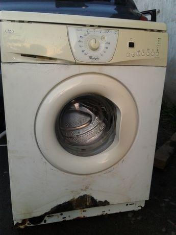 Продаю стиральную машинку Whirlpool AWM6080 на запчасти или частями