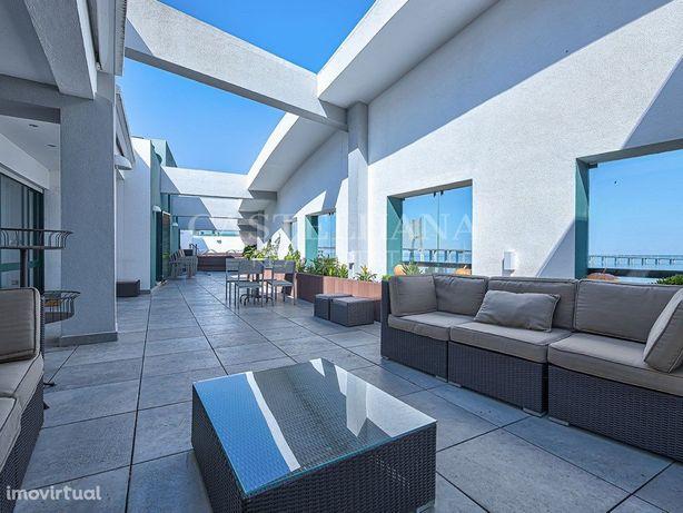 Excelente apartamento duplex, com terraço e vista rio