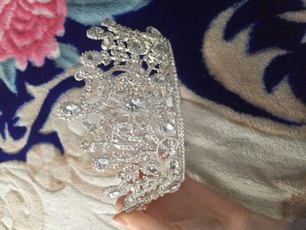 Корона нареченої