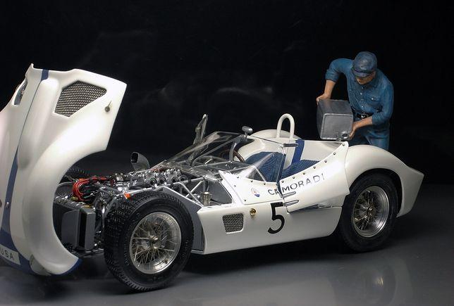 Maserati Tipo 61 Brigade N5 Nurburgring 1960 Модель 1:18 CMC M-047