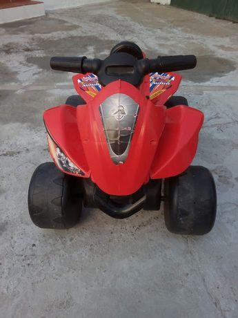 Moto Quatro Elétrica Injusa - Bom preço