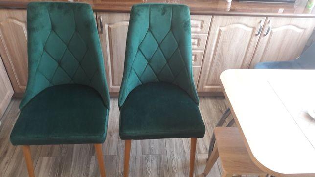 Krzesła welurowe