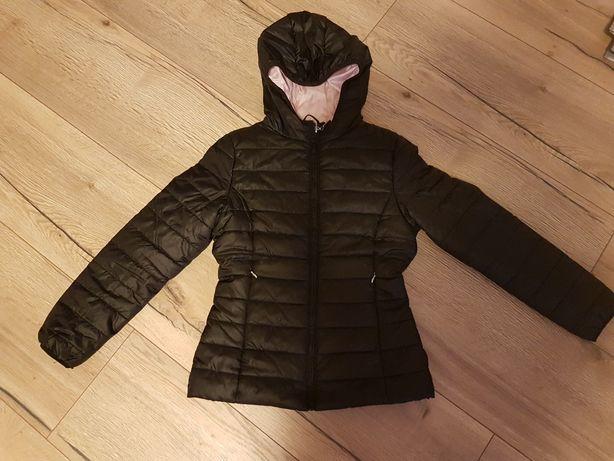 Czarna kurtka wiosenno-jesienna