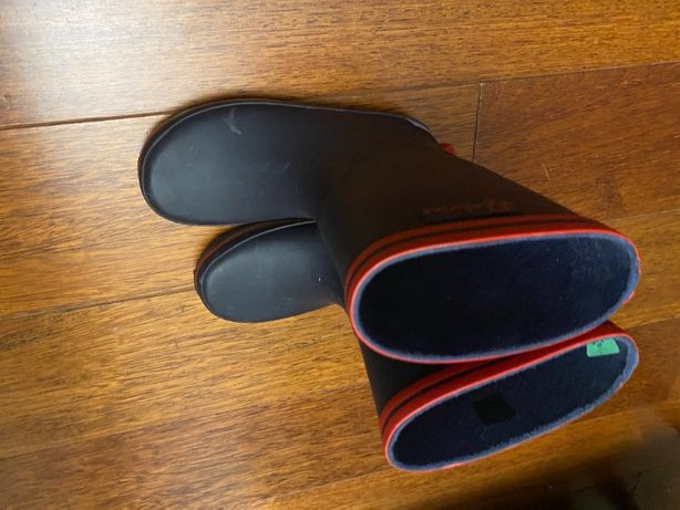 Sprzedam buty gumowe NATURINO z gratisem