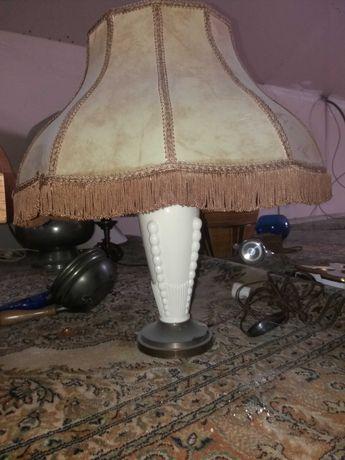 Stylowa lampa nocna.