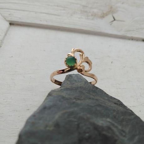 Złoty pierścionek , złoto 585