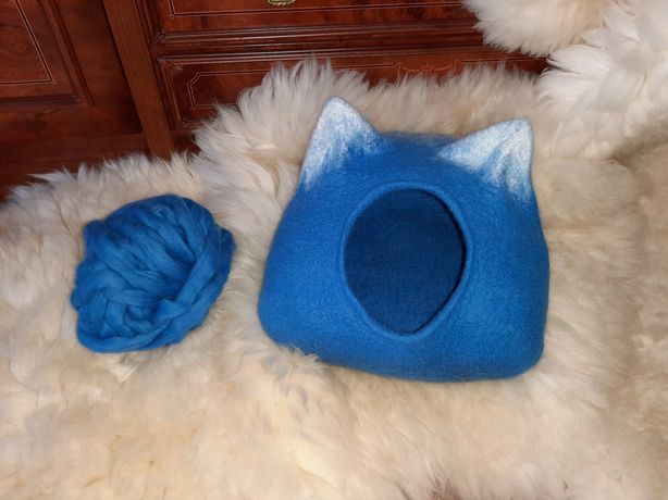 Домик для кошек и собак из шерсти Мериноса ручная работа