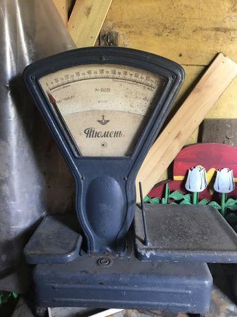 Весы механические, стрелочные.