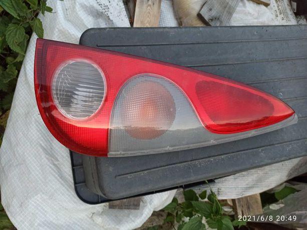 Lampa do Toyota Yaris Verso