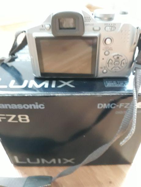 Aparat fotograficzny Lumix FZ8 uszkodzony