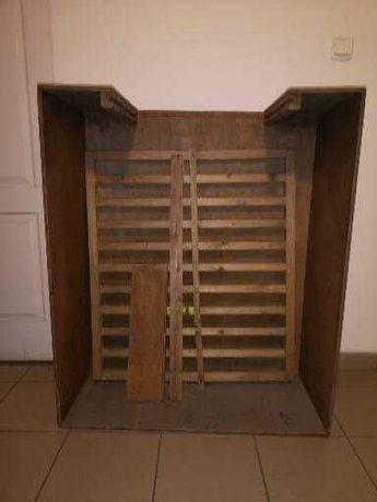 Sprzedam drewniany kojec i metalową klatkę dla pieska.