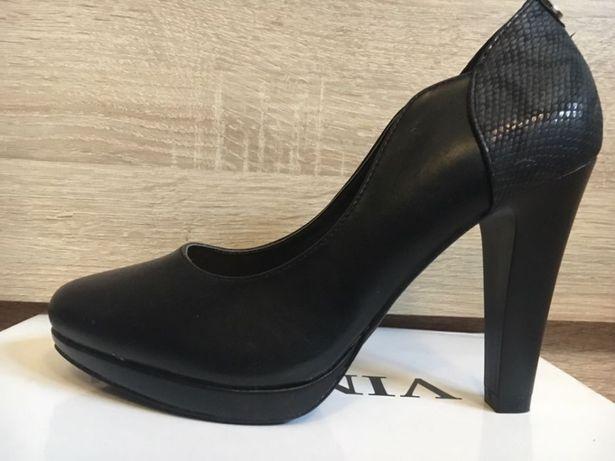 Pantofle czarne wygodne NOWE r. 36
