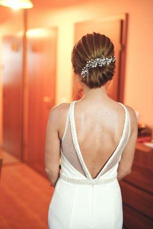 dopasowana suknia ślubna - odkryte plecy