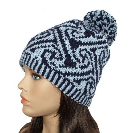 Ciepła czapka z żakardowym wzorem - rękodzieło