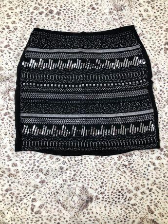 Юбка чёрная с пайетками и бисером H&M
