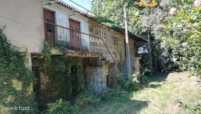 Quinta c/ Casa em Pedra p/ Restauro - St. Emilião - PVL