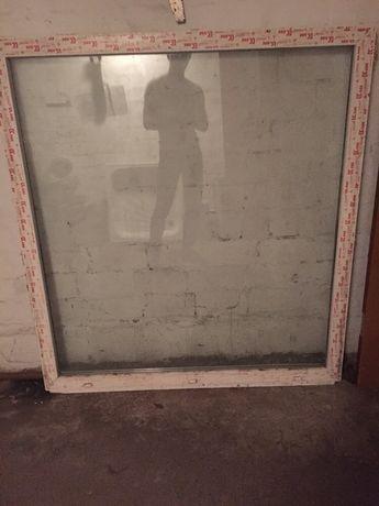 Продам пластиковое окно в хорошем состоянии