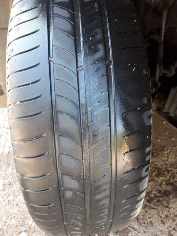 Резина Michelin 215 60 r16