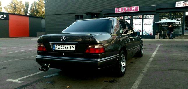 Мерседес W124 2.0 бензин/газ.