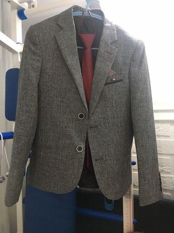 Пиджак первокласснику