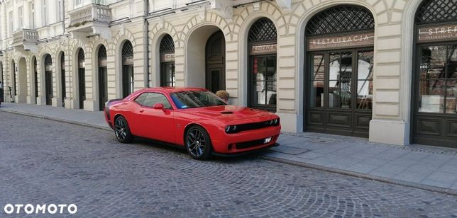 Dodge Challenger Dodge Challenger SRT, 500 KM legenda pogromca Mustangów:)