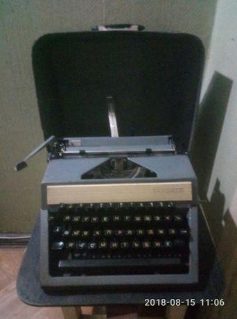 Продам советскую печатную машинку Москва