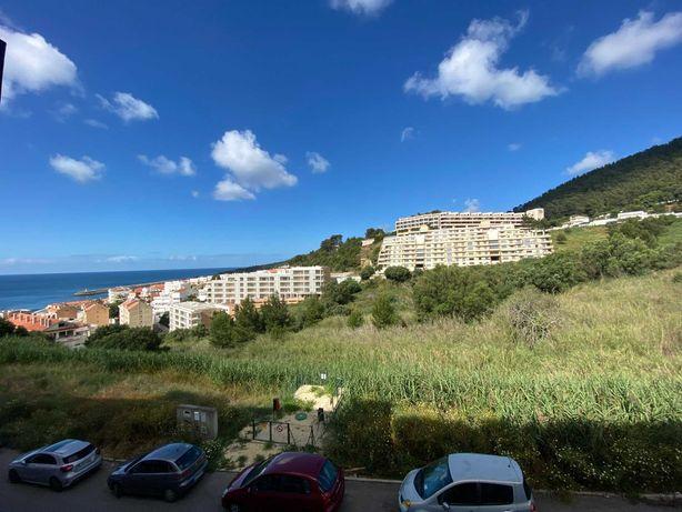 Apartamento em Sesimbra com vista para o mar perto da praia