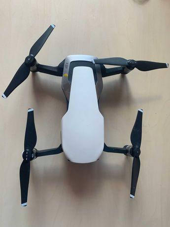 Квадрокоптер DJI Mavic Air Arctic White - 3 аккумулятора
