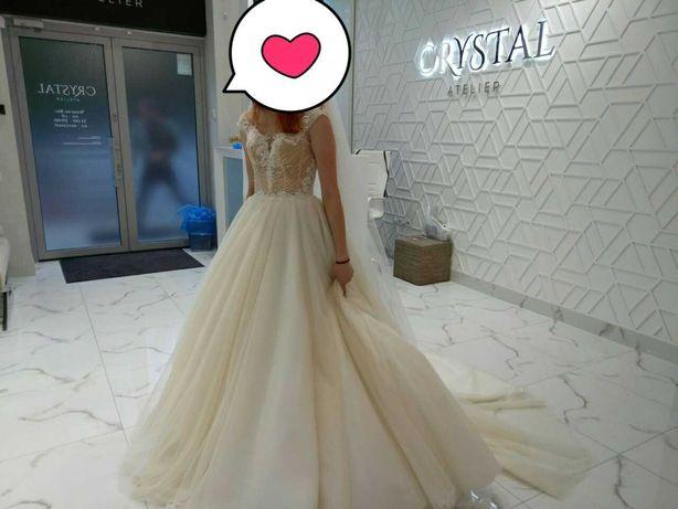 Сукня весільна салону Crystal не вінчана, фата у подарунок