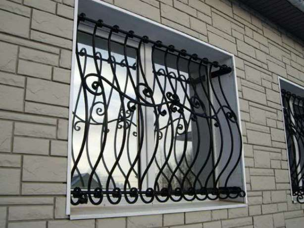 Решетки на окна, балкон, двери. Сварные и кованые.Установим и доставим