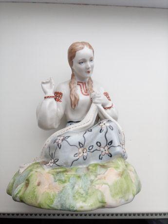 Девушка из керамики