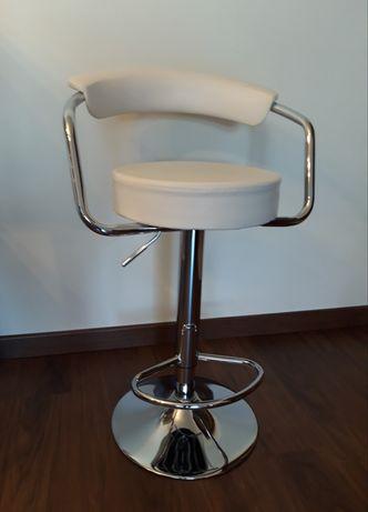 Cadeira Alta em pele