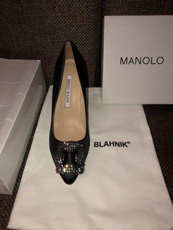 Каблуки Manolo Blahnik