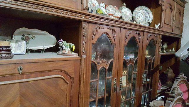 sala de jantar vintage em mogno