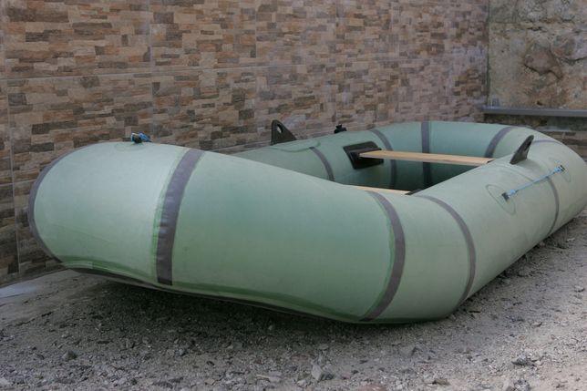 Продам резиновую лодку 2 местную со всем комплектом.