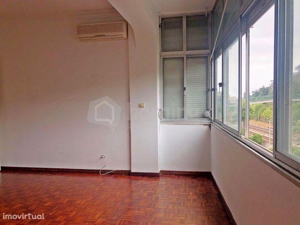 Apartamento T3 em remodelação