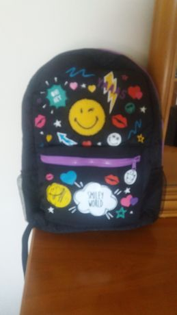 Novo c/etiqueta mochila Escola Claires