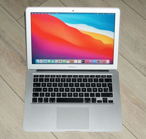 ноутбук Apple MacBook Air 13, 2015 год, батарея 90%