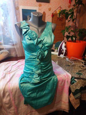 Продам атласное платье