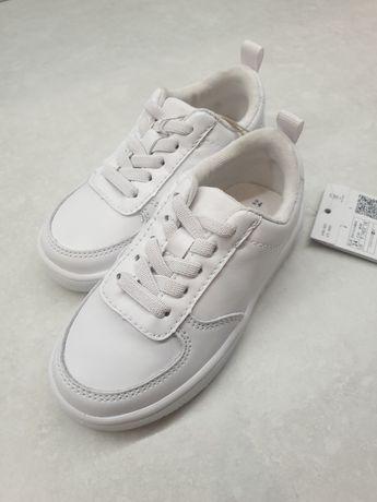 Белые кроссовки рр 24