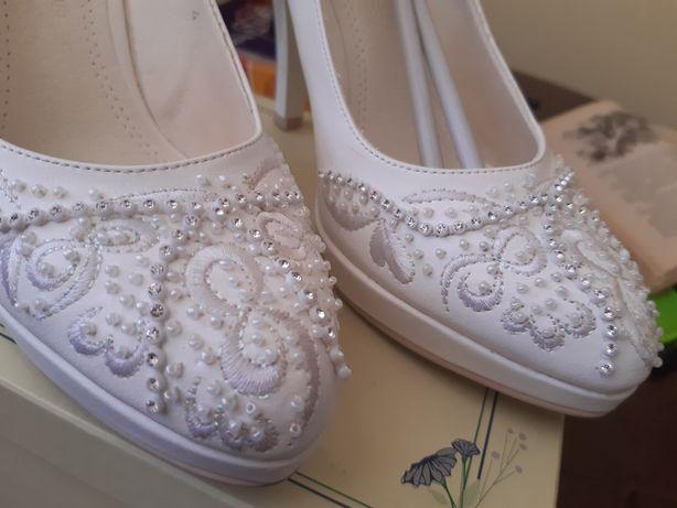 Туфлі,мешти,взуття