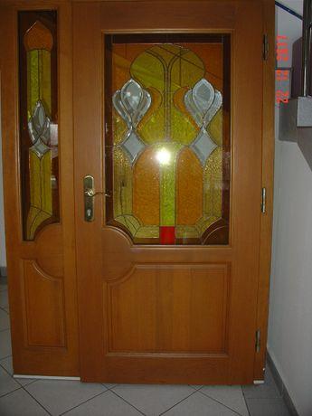 drzwi wejściowe z witrażem