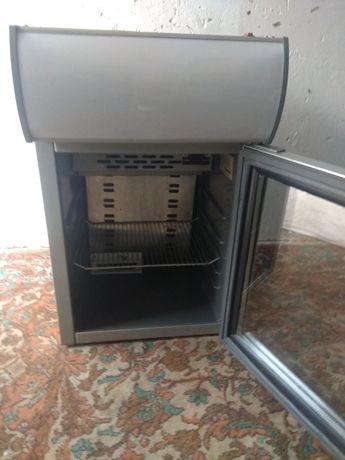 Холодильник для напитков Red bull .