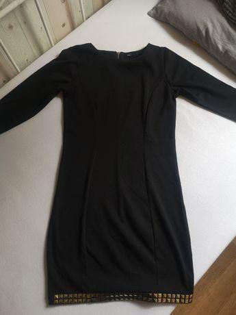 Czarna elegancka sukienka - MOHITO