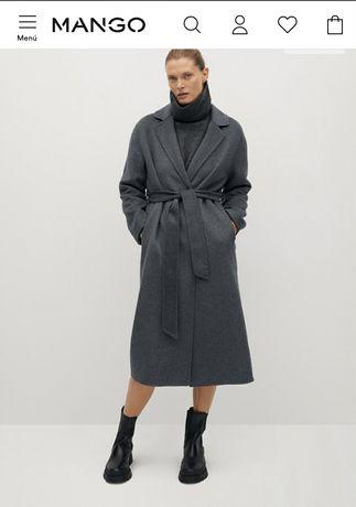 Пальто фирмы mango