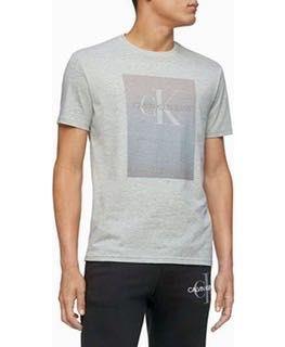 Продам футболку Calvin Klein оригинал, размер 2xl